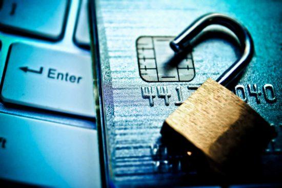 הונאה בכרטיס אשראי + גניבת כרטיס אשראי. ייצוג משפטי - ביטול הרשעה. כרטיס חיוב.